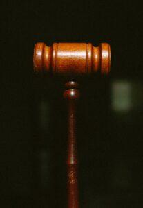 首位人工智慧法官即將上任,它真能公正判決嗎(上)